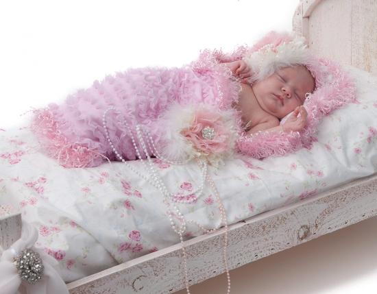 Pink Ruffle Snuggle Sak
